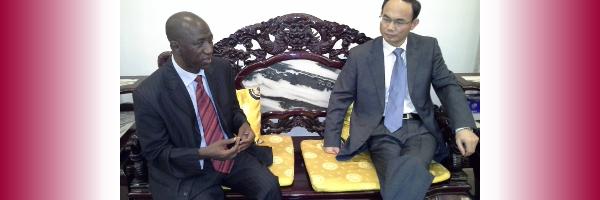 Le Recteur de l'ULSHB reçu par l'Ambassadeur de Chine au Mali